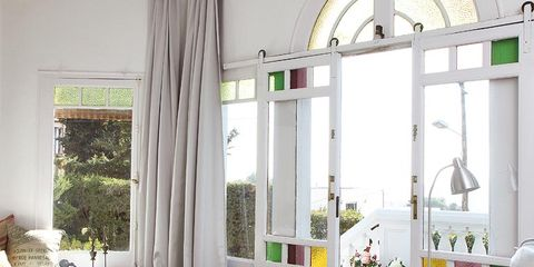 Interior design, Room, Furniture, Table, Floor, Interior design, Home, Serveware, Living room, Fixture,