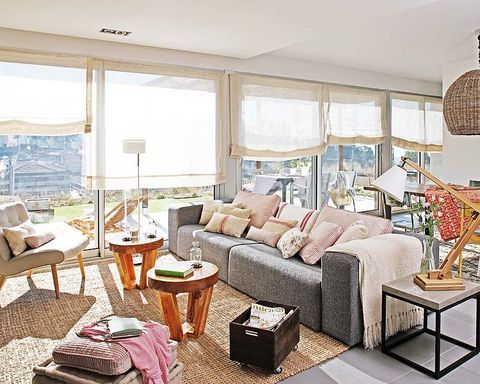Room, Interior design, Furniture, Floor, Wall, Table, Living room, Couch, Ceiling, Home,