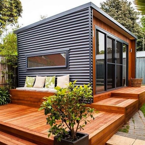 House, Home, Property, Building, Siding, Roof, Facade, Real estate, Shed, Room,