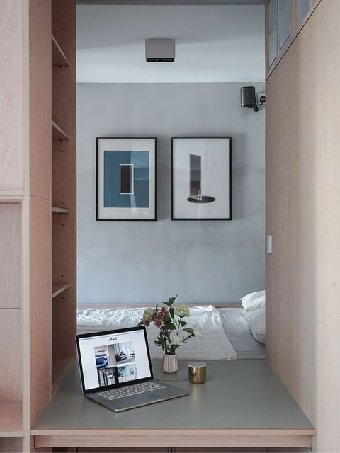 Room, Interior design, Property, Wall, Electronic device, Laptop part, Ceiling, Laptop, Flat panel display, Display device,