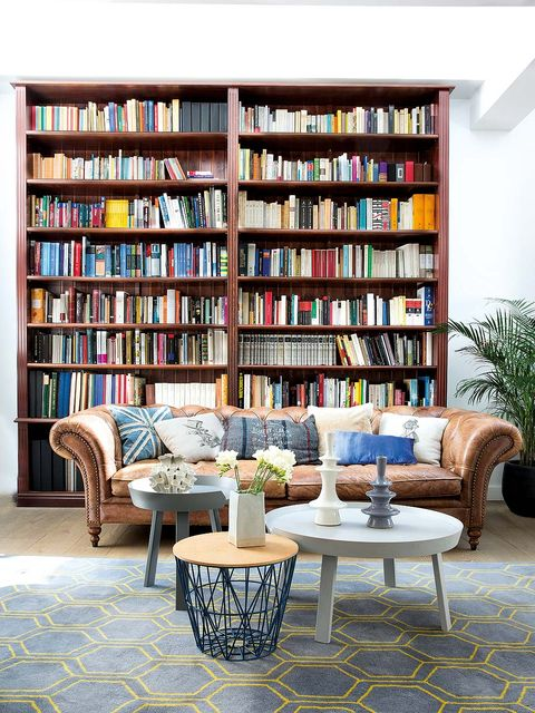 Shelving, Shelf, Living room, Furniture, Room, Bookcase, Interior design, Building, Table, Wall,