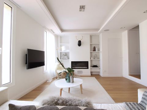 Ceiling, White, Room, Interior design, Property, Living room, Furniture, Building, Floor, House,