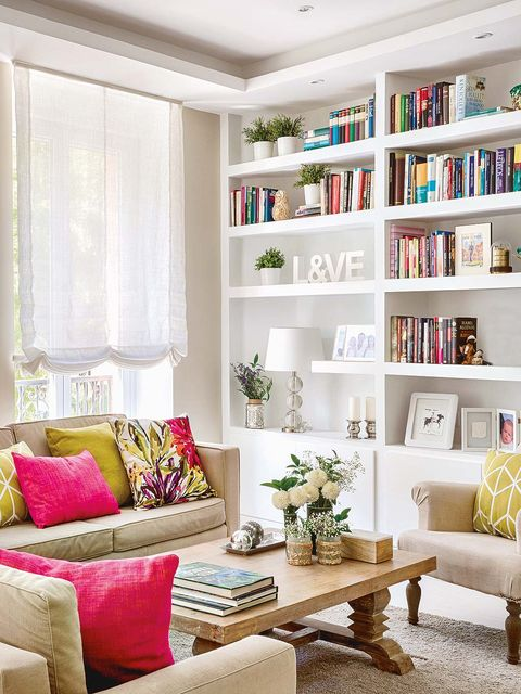 Living room, Furniture, Room, Shelf, Interior design, Shelving, Home, Couch, Bookcase, Property,