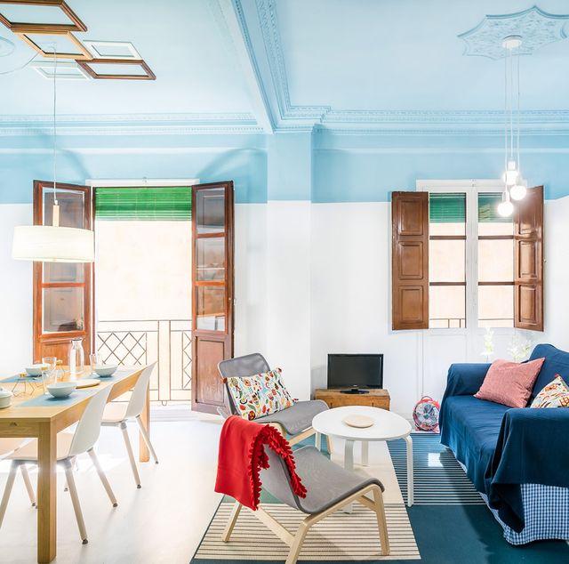Una casa llena de luz y color