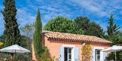 Resort, Real estate, Swimming pool, House, Shade, Outdoor furniture, Home, Resort town, Door, Villa,