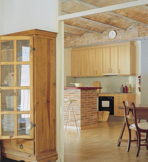 Wood, Hardwood, Room, Floor, Property, Flooring, Wood stain, Interior design, Ceiling, Cupboard,