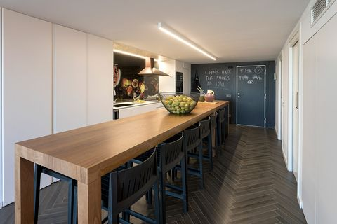 Room, Dining room, Property, Furniture, Interior design, Countertop, Building, Floor, House, Ceiling,