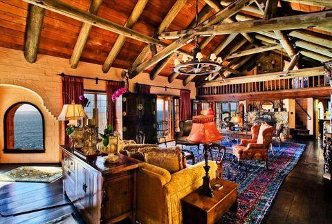 Property, Room, Building, Interior design, Beam, Ceiling, Living room, House, Home, Real estate,