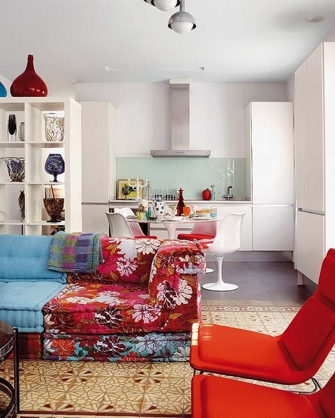 Interior design, Room, Living room, Floor, Furniture, Wall, Home, White, Red, Ceiling,