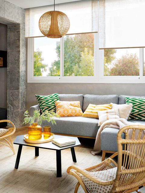 Room, Furniture, Living room, Interior design, Green, Yellow, Coffee table, Property, Home, Table,