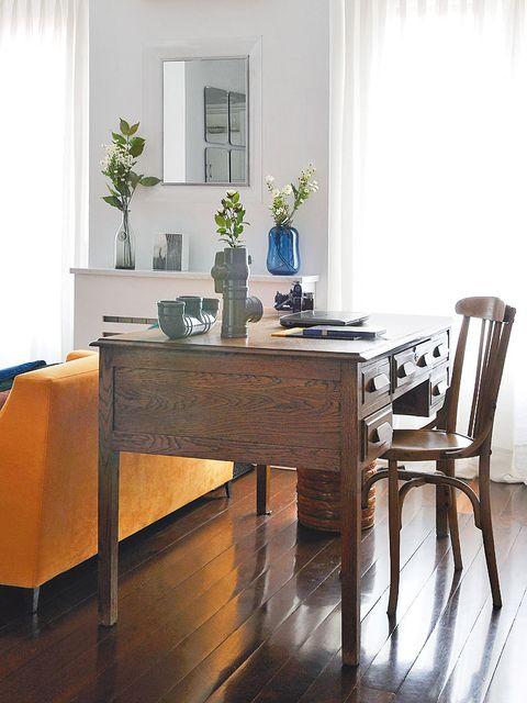 Wood, Interior design, Room, Table, Floor, Furniture, Flooring, Glass, Hardwood, Interior design,