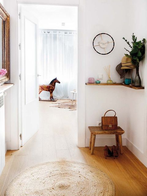Room, Floor, Interior design, Furniture, Flooring, House, Home, Building, Fawn, Table,