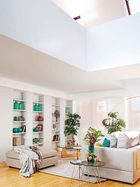 Moderno dúplex con escalera de caracol: Salón