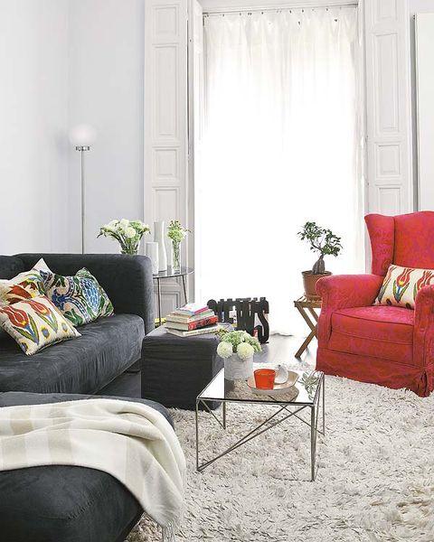 Room, Interior design, Textile, Furniture, Home, Living room, Wall, Interior design, Pillow, Throw pillow,