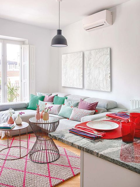 Room, Interior design, Tablecloth, Dishware, Table, Pink, Ceiling, Light fixture, Furniture, Wall,
