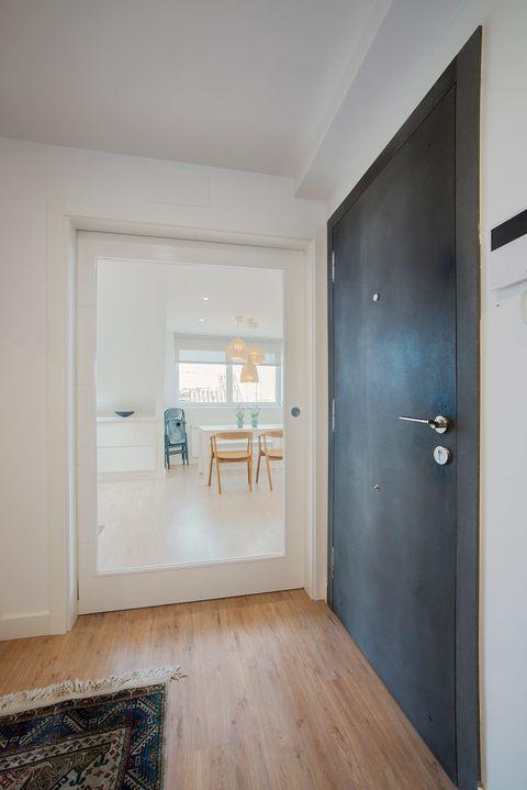 Room, Property, Floor, Wood flooring, House, Hardwood, Building, Ceiling, Interior design, Wall,
