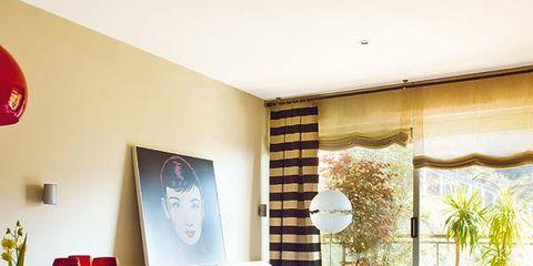 Room, Interior design, Floor, Living room, Table, Wall, Flooring, Furniture, Interior design, Ceiling,