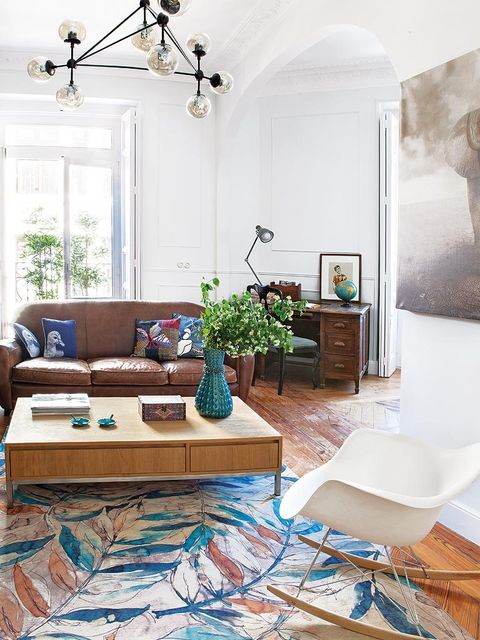 Room, Interior design, Floor, Flooring, Home, Wall, Ceiling, Table, Furniture, Interior design,