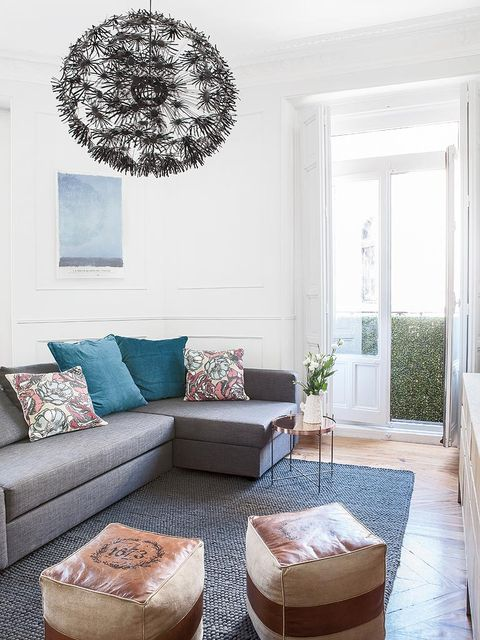 Blue, Room, Interior design, Brown, Living room, Wall, Furniture, White, Couch, Home,