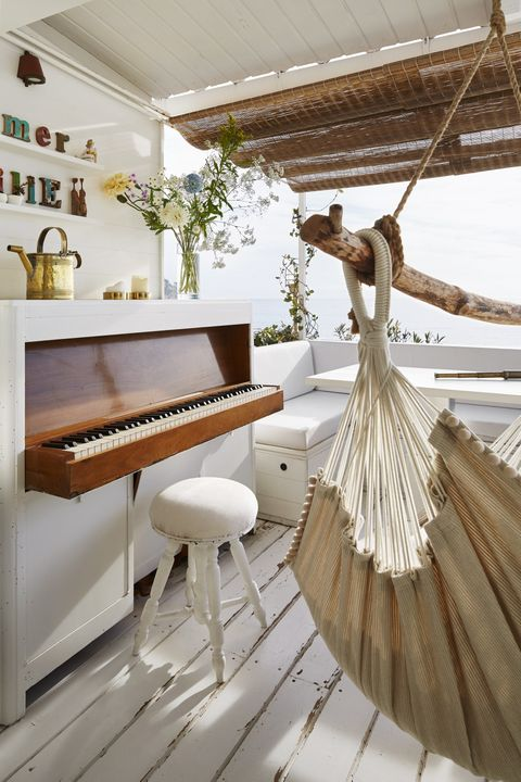 Wood, Interior design, Keyboard, Musical instrument, Room, Floor, Hardwood, Piano, Musical keyboard, Wood flooring,