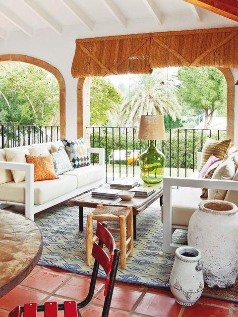 Room, Interior design, Serveware, Furniture, Couch, Home, Real estate, Floor, Interior design, Living room,