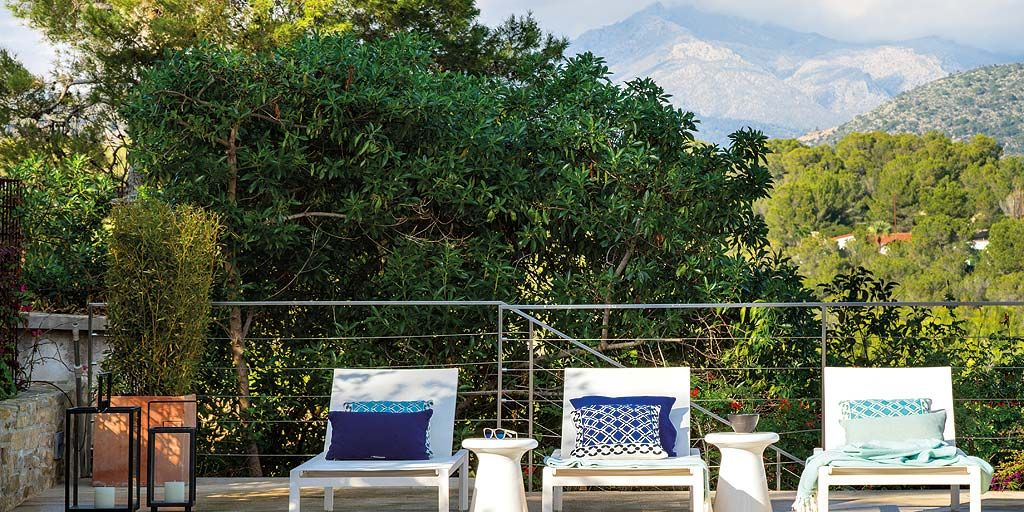 IN & OUT: Una casa con piscina y espectaculares vistas