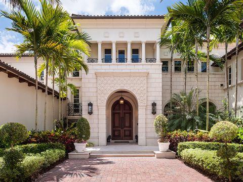 Home, Property, Building, House, Architecture, Real estate, Landmark, Estate, Mansion, Tree,