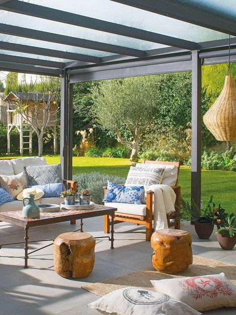 Furniture, Outdoor furniture, Couch, Pergola, Flowerpot, Shade, Coffee table, Outdoor table, Home, Garden,