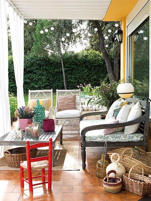 Room, Furniture, Property, Interior design, Living room, Home, Porch, House, Building, Patio,