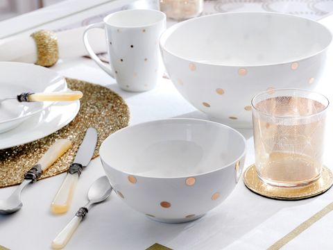 Serveware, Dishware, Drinkware, Porcelain, White, Tableware, Ceramic, Kitchen utensil, Cup, Cuisine,