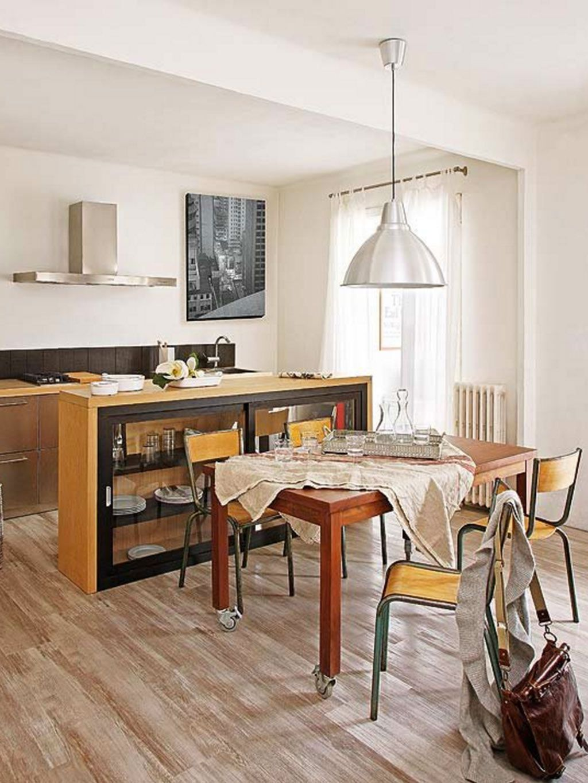 Para Integrar Esta Cocina Abierta, Se Emplearon Los Mismos Materiales Y  Colores En Sus Muebles Que En La Decoración Del Comedor (el Tipo De Madera  De Las ...