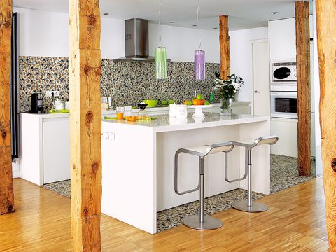 Wood, Floor, Flooring, Room, Interior design, Countertop, Wall, Glass, Interior design, Tile,