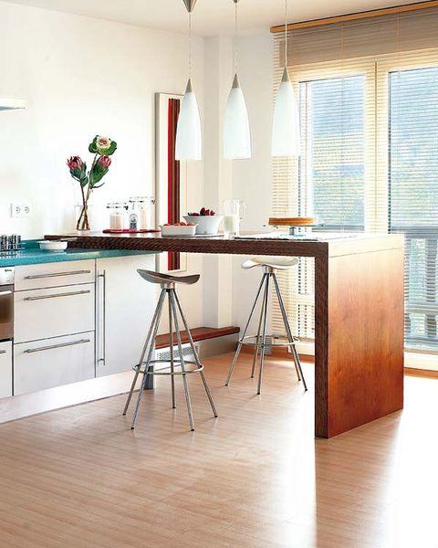 12 cocinas con barra (y sus planos)