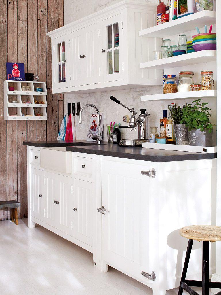Una cocina con aires country