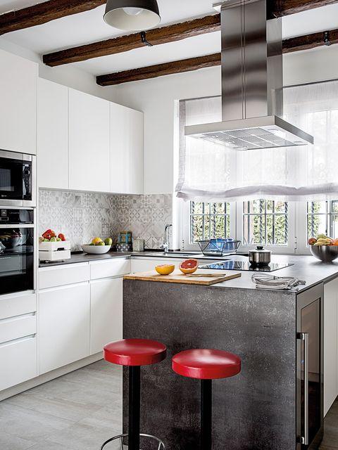Countertop, Kitchen, Furniture, Room, Cabinetry, Interior design, Property, Kitchen stove, Building, Orange,