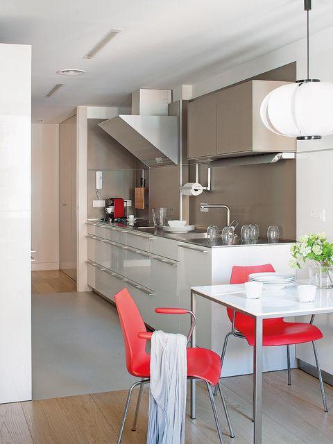 Floor, Interior design, Room, Flooring, Furniture, Table, Ceiling, Light fixture, Wall, Glass,