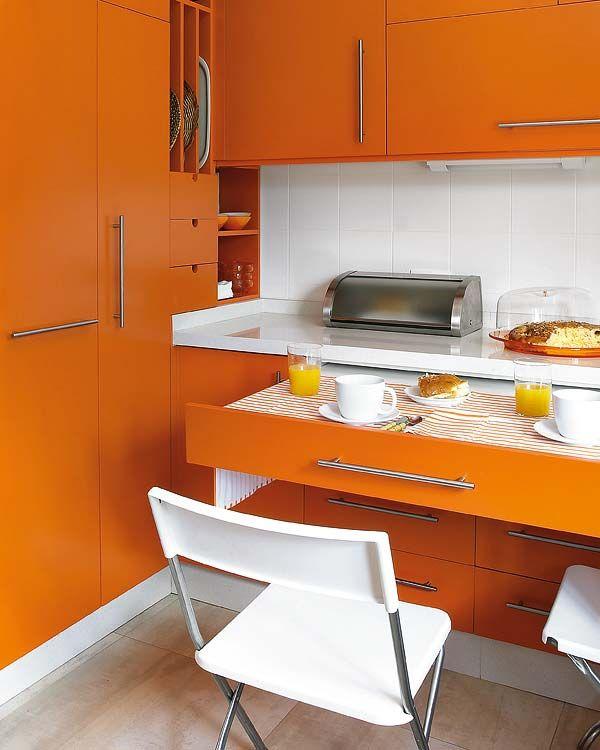 Cocina de 11,4 m² con un office camuflado