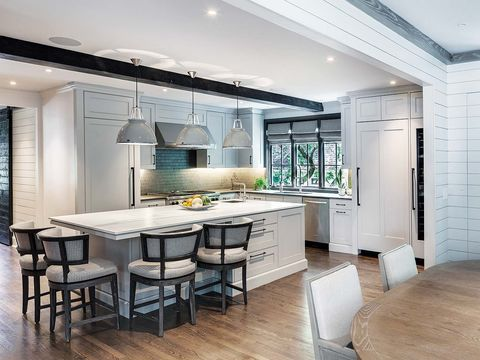 Room, Countertop, Furniture, Interior design, Property, Ceiling, Building, Dining room, Kitchen, Cabinetry,
