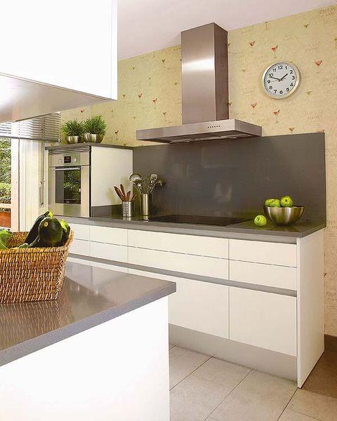 Una cocina dividida en 4 zonas