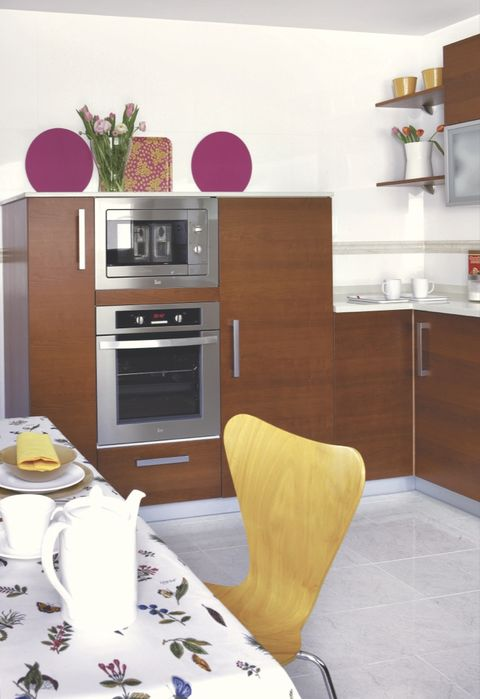 Wood, Room, Interior design, Tablecloth, White, Home, Floor, Shelving, Drawer, Furniture,