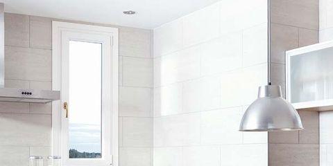 Wood, Room, Floor, Interior design, Flooring, Property, Home, Table, Furniture, Lampshade,