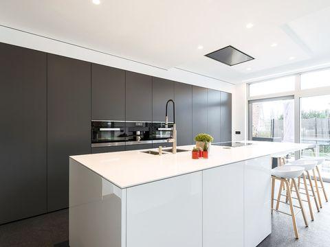 Interior design, Room, Floor, Property, Glass, Ceiling, Light fixture, Interior design, Plumbing fixture, Flooring,