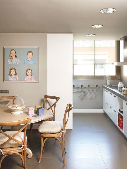 Room, Floor, Interior design, Flooring, Furniture, Ceiling, Light fixture, Serveware, Countertop, Cabinetry,