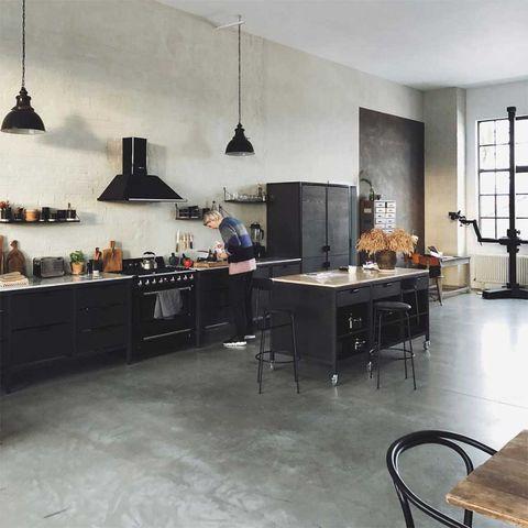 Floor, Room, Countertop, Furniture, Interior design, Kitchen, Property, Flooring, Tile, Ceiling,