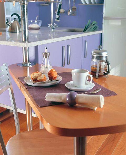 Serveware, Wood, Dishware, Drinkware, Furniture, Table, Porcelain, Hardwood, Wood stain, Tableware,