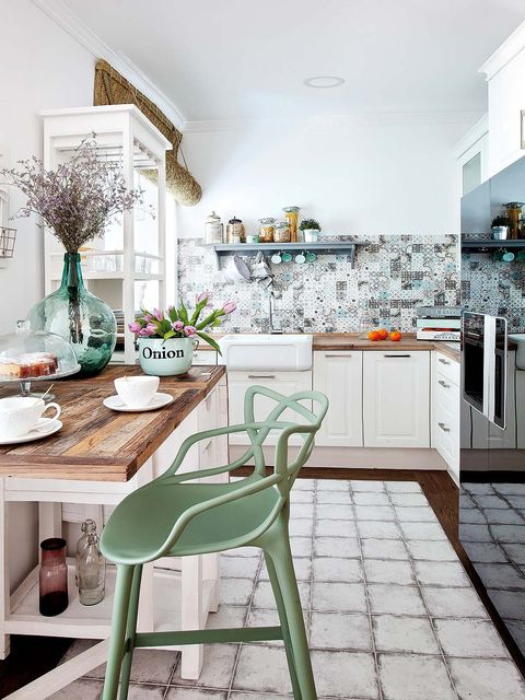 Green, Room, Floor, Interior design, White, Furniture, Home, Table, Flooring, Cabinetry,