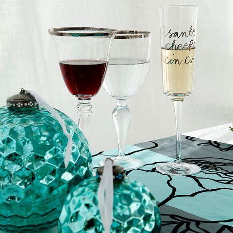 Drinkware, Stemware, Glass, Wine glass, Barware, Liquid, Drink, Fluid, Tableware, Alcoholic beverage,