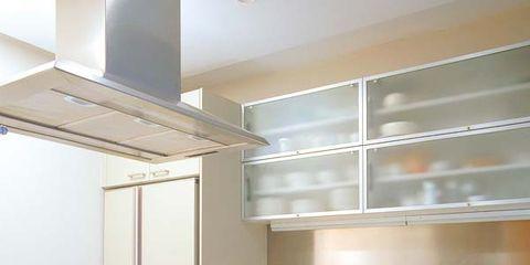 Room, Property, Floor, Interior design, Drawer, Kitchen, Plumbing fixture, Cabinetry, Sink, Home,