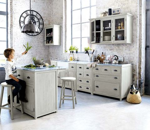 Room, Interior design, Floor, Drawer, Furniture, White, Cabinetry, Wall, Home, Countertop,