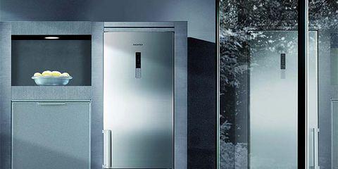 Glass, Fixture, Handle, Transparent material, Aluminium, Composite material, Major appliance, Metal, Household hardware, Silver,